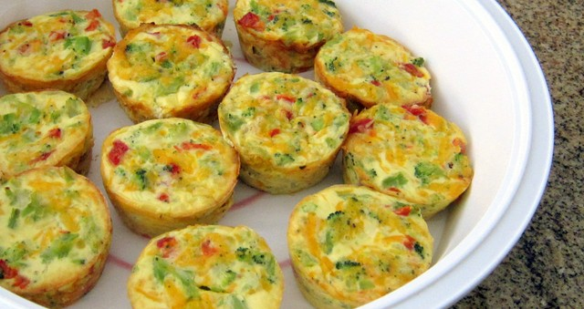 crustless-broccoli-mini-quiches-18