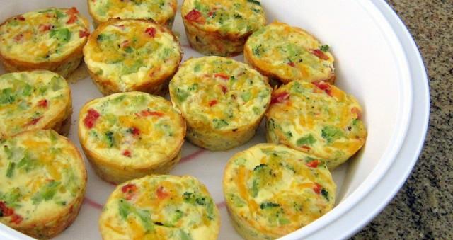 crustless-broccoli-mini-quiches-18